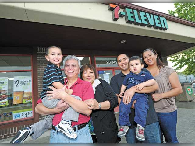 7-11 Franchise Owners Claim the Chain is Targeting Them