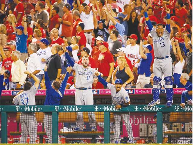 Royals beat Angels to take 2-0 series lead