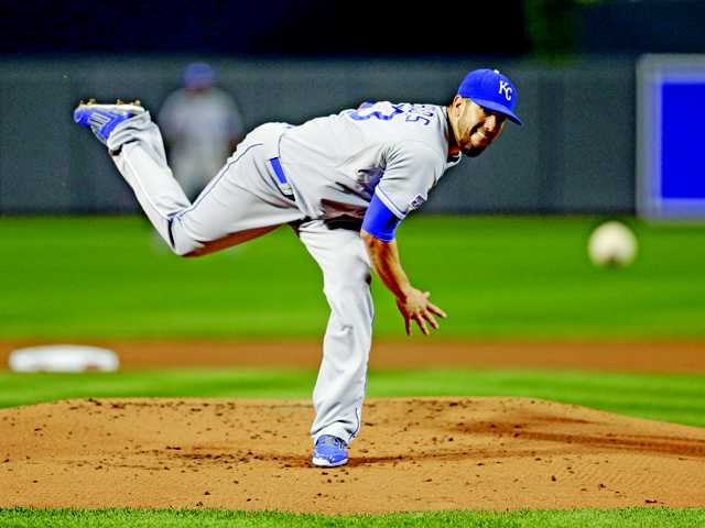 Royals win Game 1 with James Shields on mound