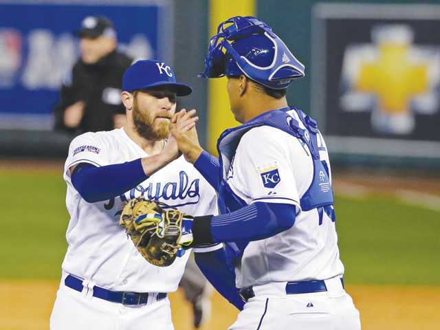 Royals edge Orioles to take 3-0 lead in ALCS