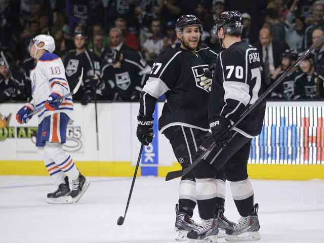 Kings pile on against Oilers