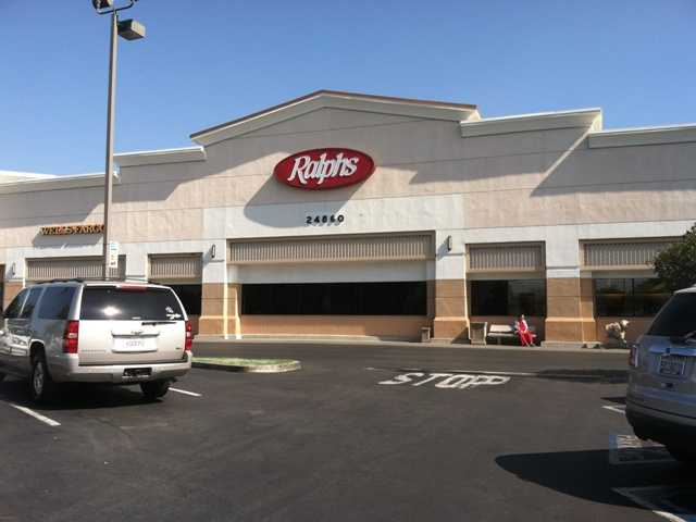 ralphs closing newhall store as lease expires