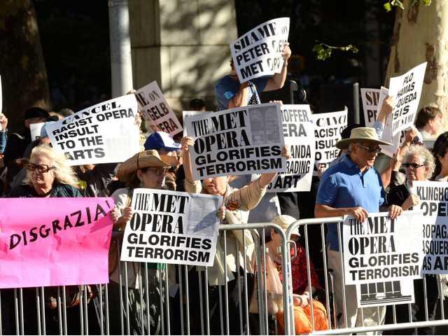 Rabbi leads vigil outside Met to protest opera