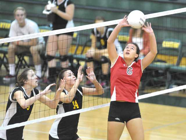Foothill volleyball roundup: Hart stays unbeaten in league play
