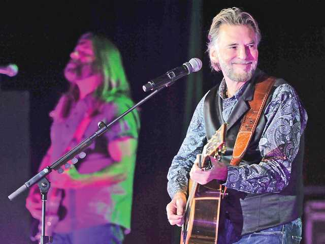 Kenny Loggins plays local benefit concert
