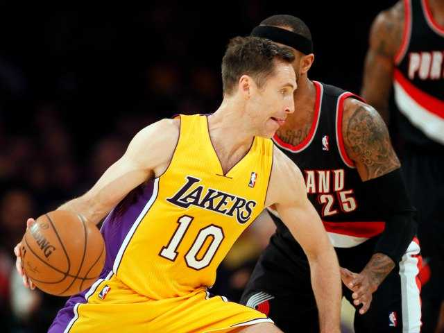 Lakers' Steve Nash out for the sesaon