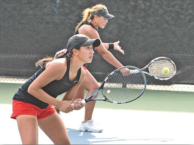 Top seeds hold at Foothill tennis finals