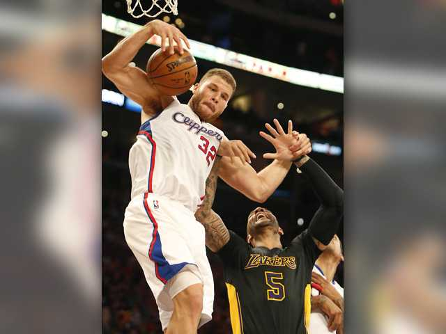 Clippers beat Lakers in all-L.A. clash