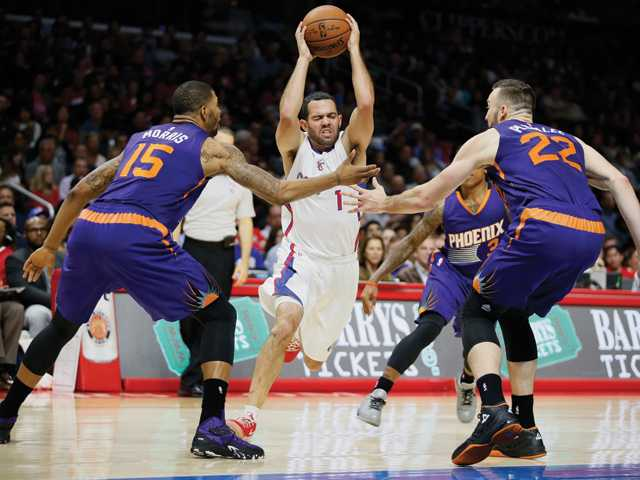 Clippers coast to win over Suns
