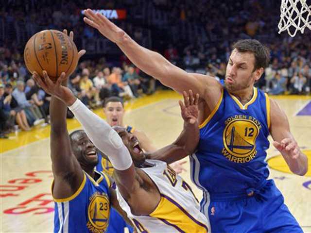 Bryant scores 44 but Lakers lose big