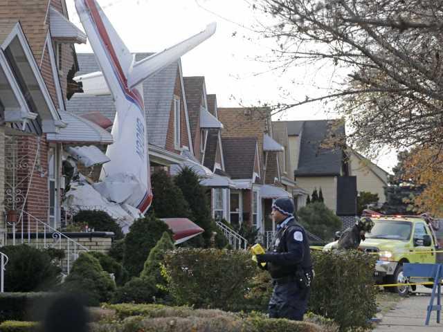 Small plane crashes into Chicago home