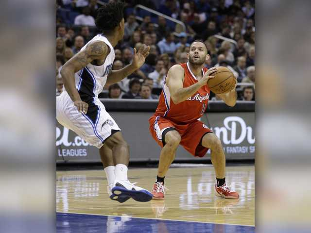 Crawford leads Clippers over Magic