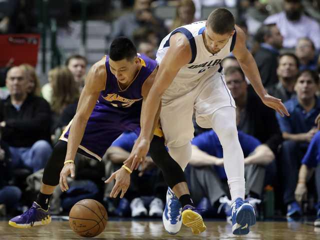Mavericks roll past Lakers