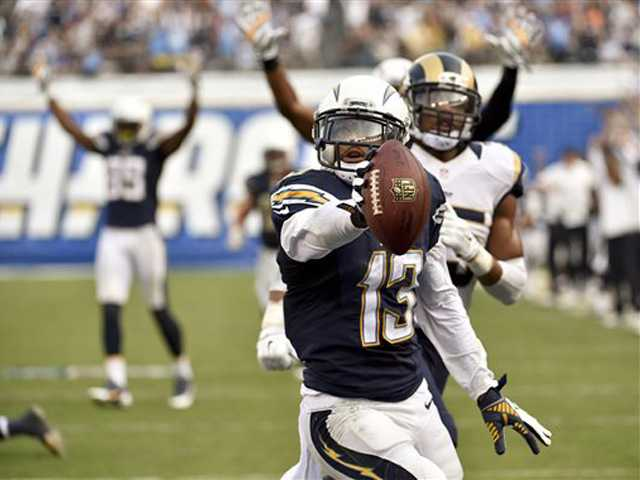 Gilchrist's interception saves Chargers' 27-24 win