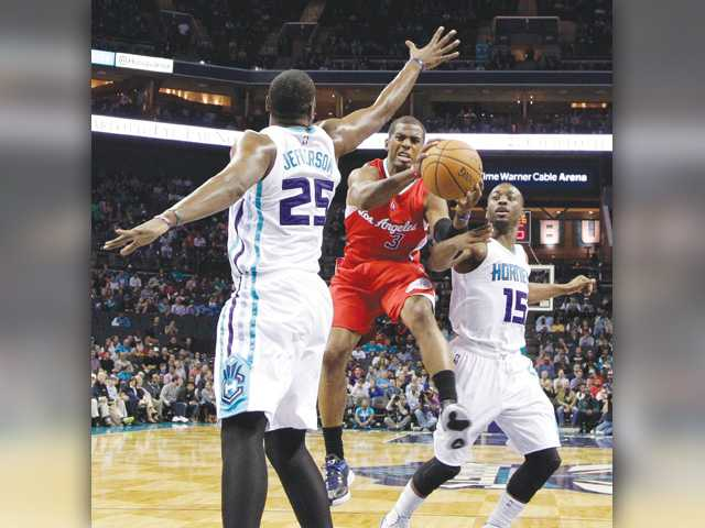 Griffin, Paul lead Clippers over Hornets 113-92