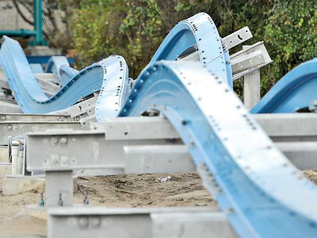 Six Flags gives glimpse of revamped Colossus