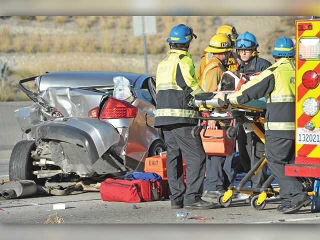 Eight hurt in Thanksgiving Day crash in Sand Canyon