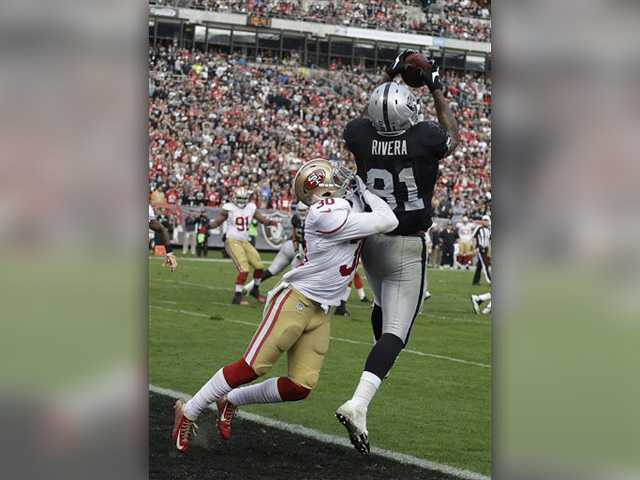 Raiders shock 49ers 24-13 in Battle of the Bay