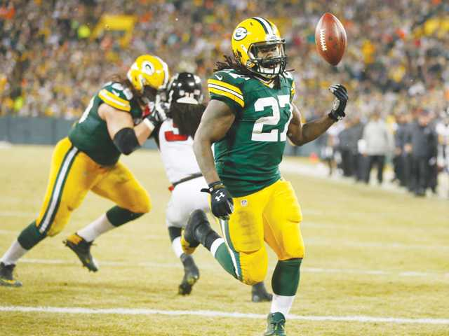 Lacy, Packers hold off Falcons rally