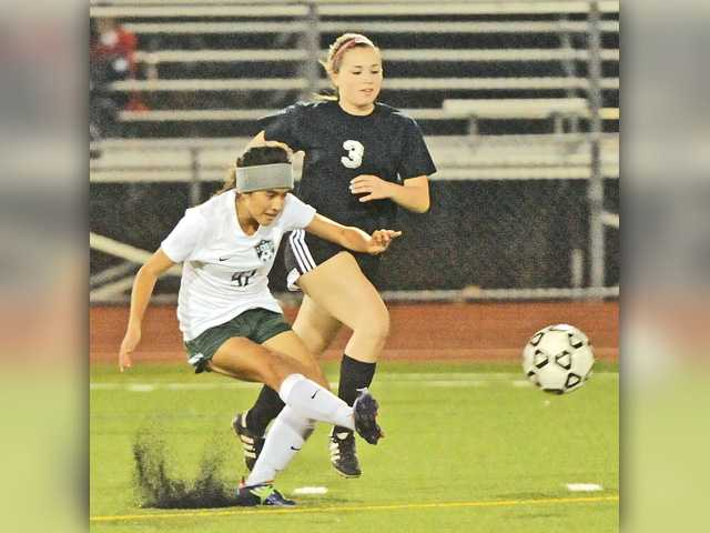 Canyon soccer can't calm Alemany