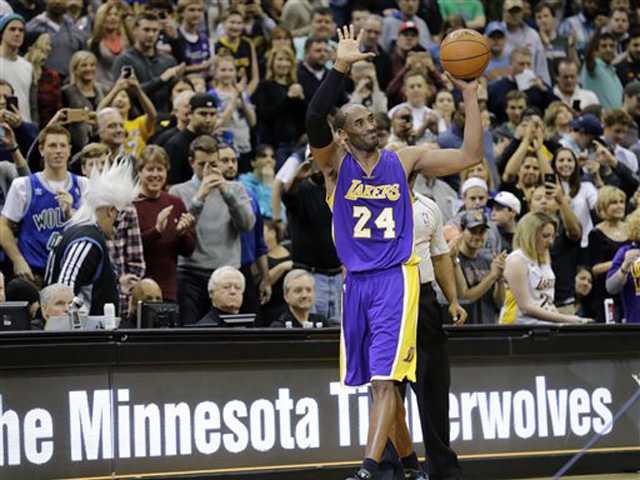 Lakers top Timberwolves on Kobe's historic night