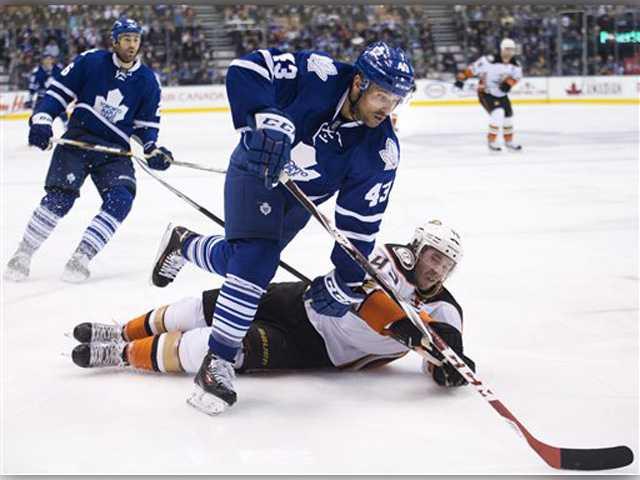 Kessel, Bernier help surging Leafs stop Ducks 6-2