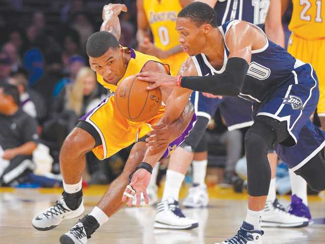 Thunder hold off Kobe's Lakers without KD