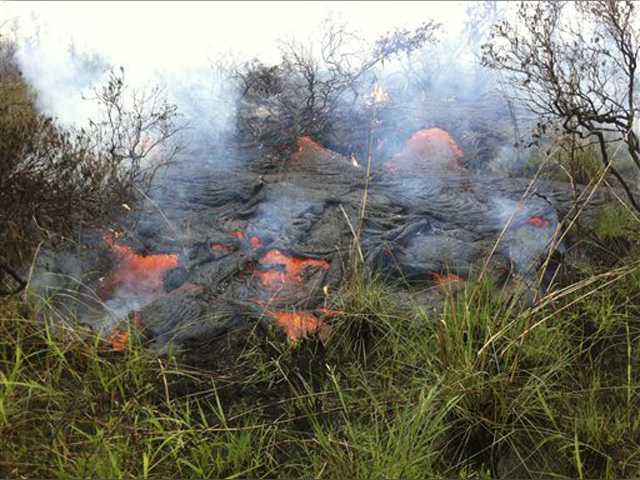 Lava could reach Hawaii shopping center in 8 days