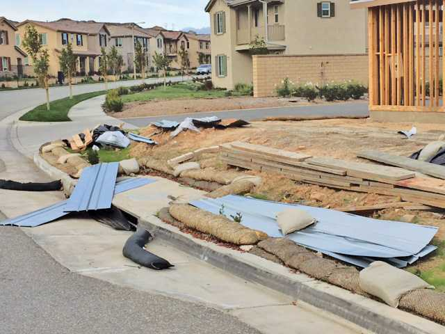 High winds sweep through the SCV