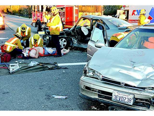 Four injured in Saugus crash
