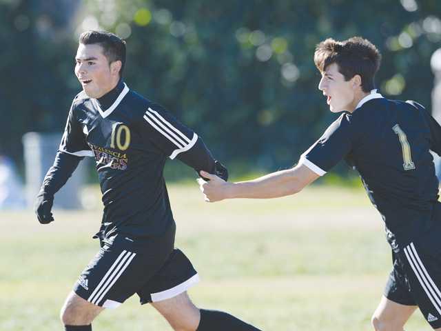 Valencia boys soccer moves to Hart Showcase finals