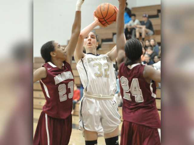 Friedl, Canyons women come back in conference opener
