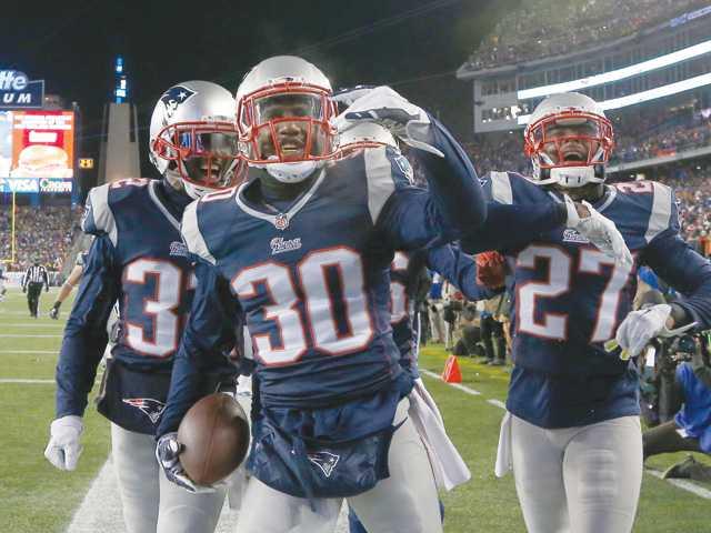 NFL playoff roundup: Patriots, Seahawks advance