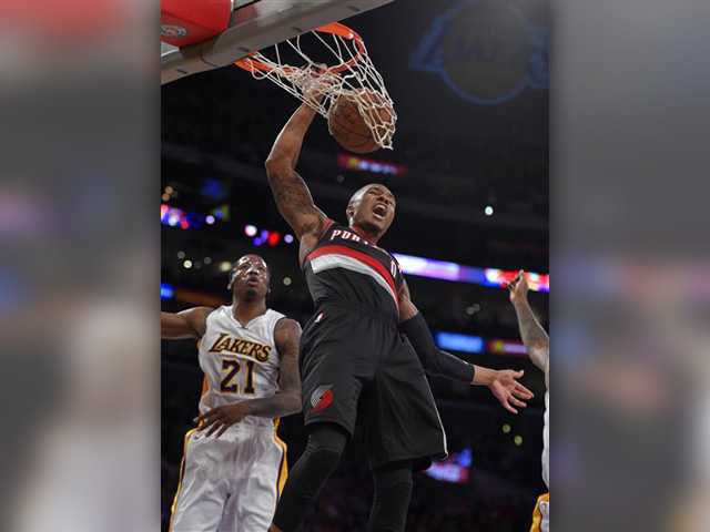 Without Kobe, Lakers fall to Trail Blazers