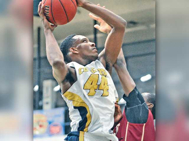 College of the Canyons hoops corrals Glendale