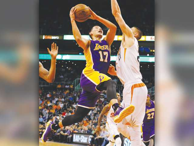 Lakers fall to Suns for fifth straight loss