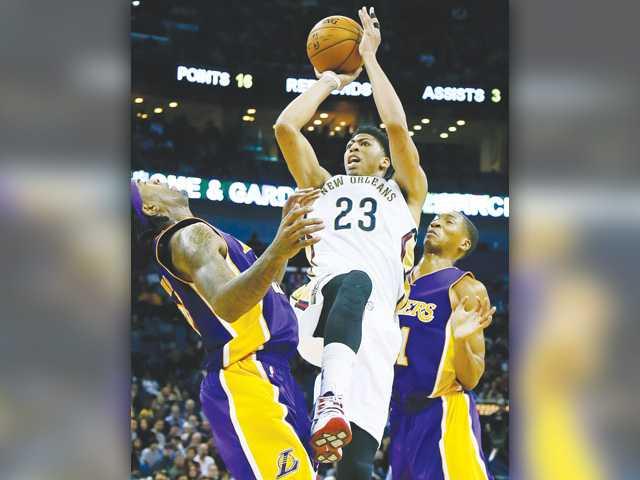 Davis returns, Pelicans down Lakers