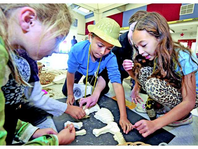 Castaic second-graders have prehistoric playtime