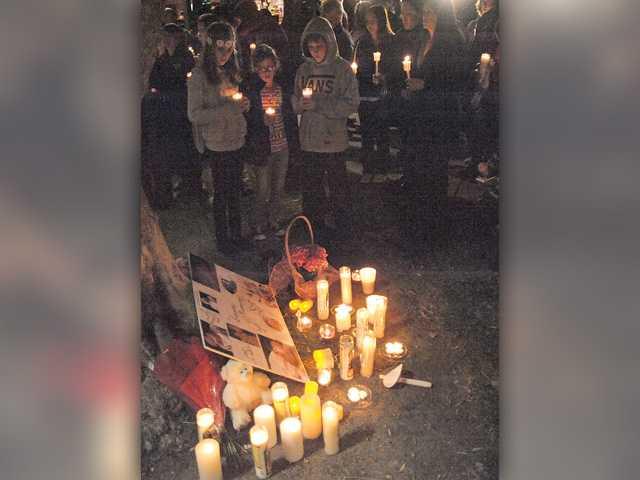 Vigil held for infant girl in Valencia