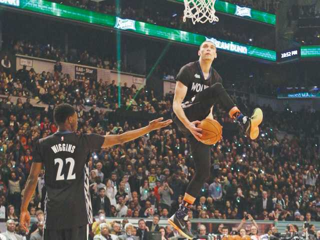 Curry wins 3-point contest, LaVine takes dunk competition