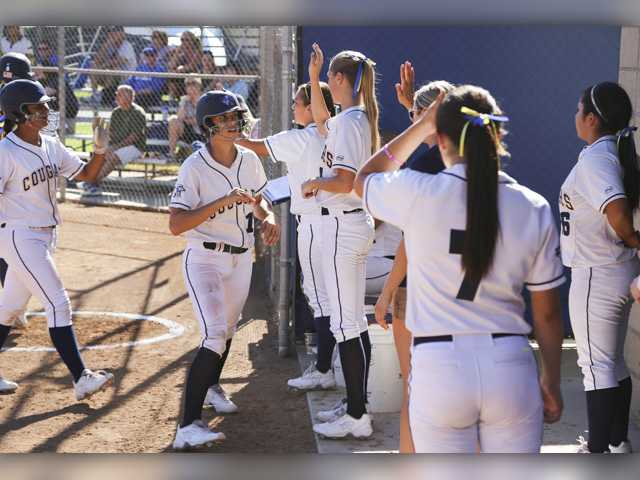 COC Insider: Cougars softball takes 2 in slugfest