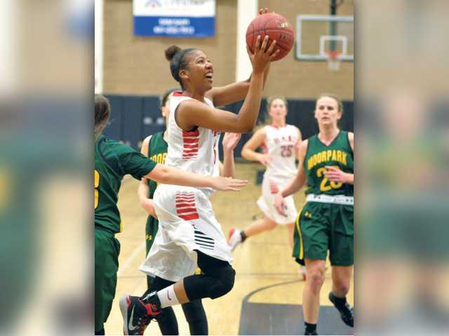 Hart girls hoops advances in playoffs