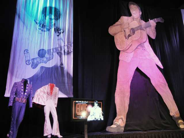 Graceland brings Elvis back to his Las Vegas home