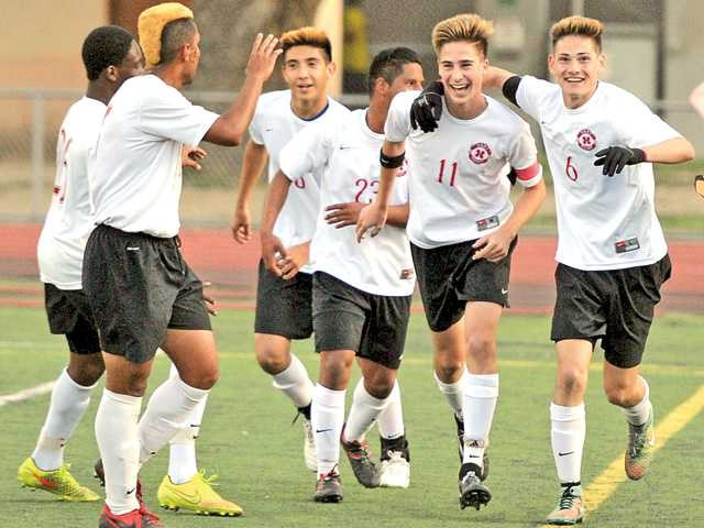Hart boys soccer punches ticket to semifinals