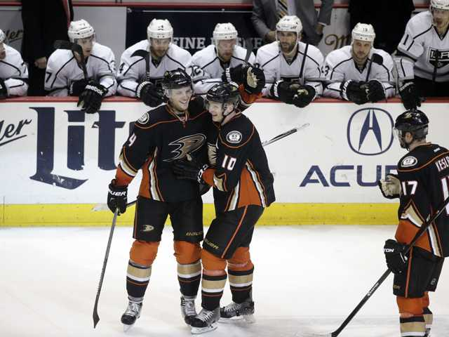 Anaheim Ducks rally past LA Kings