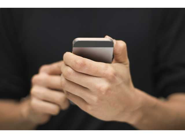 Smartphone app anonymity causes concerns on college campuses