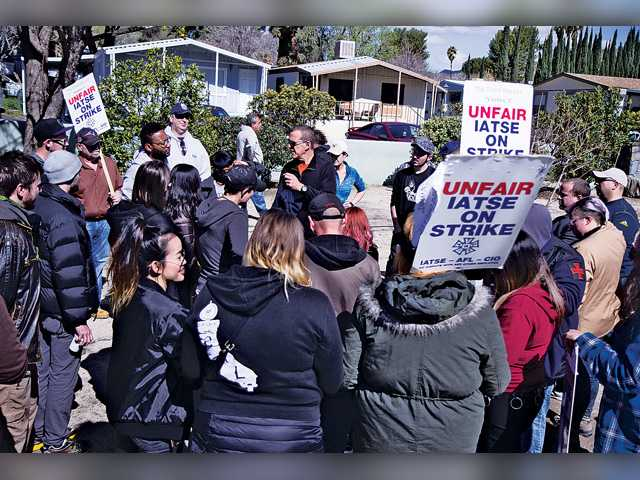 'Sharknado 3' crew pickets in Saugus