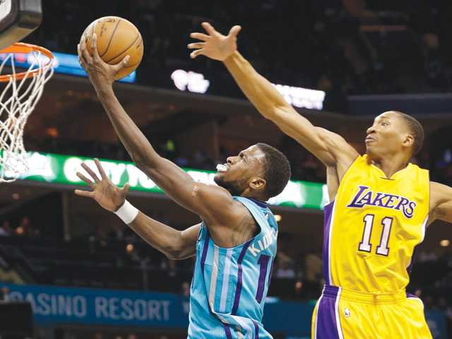 Jefferson, Williams lead Hornets past Lakers