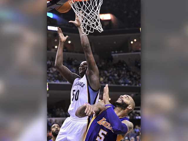 Randolph, Gasol lead Grizzlies past Lakers 97-90