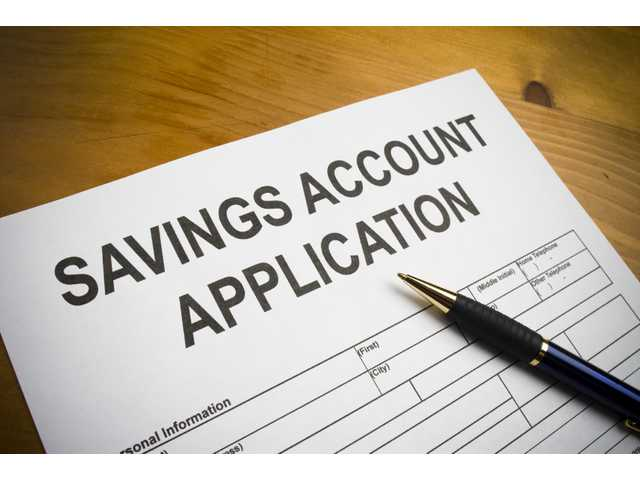 Despite low returns, traditional savings accounts still popular